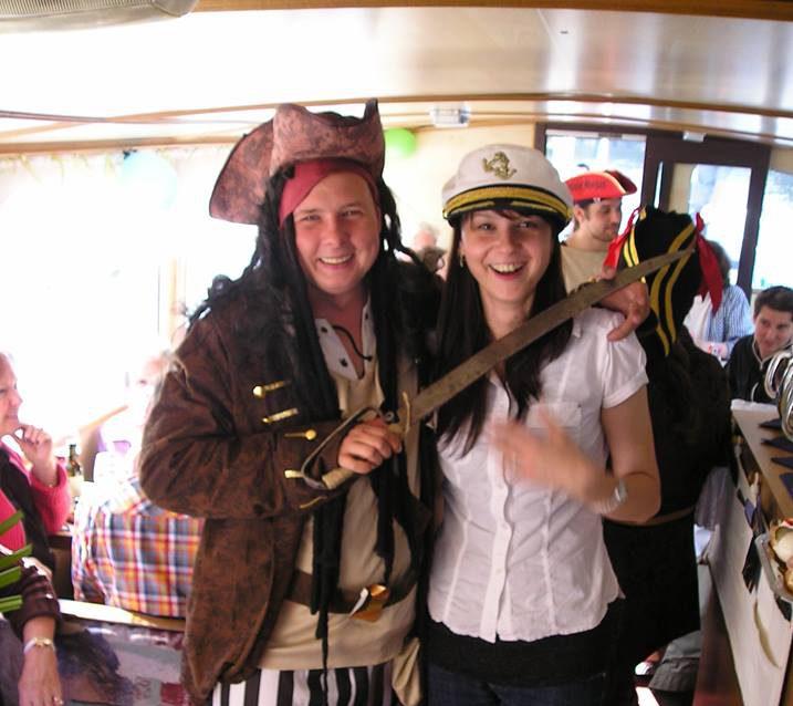 Pirát a stewardka